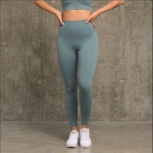 FLEXX FIT leggings size medium